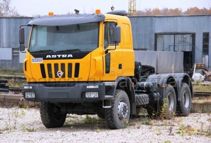 Седельный тягач Astra Veicoli Industriali HD8 66.45 модель 7431 2008 года в Хабаровске